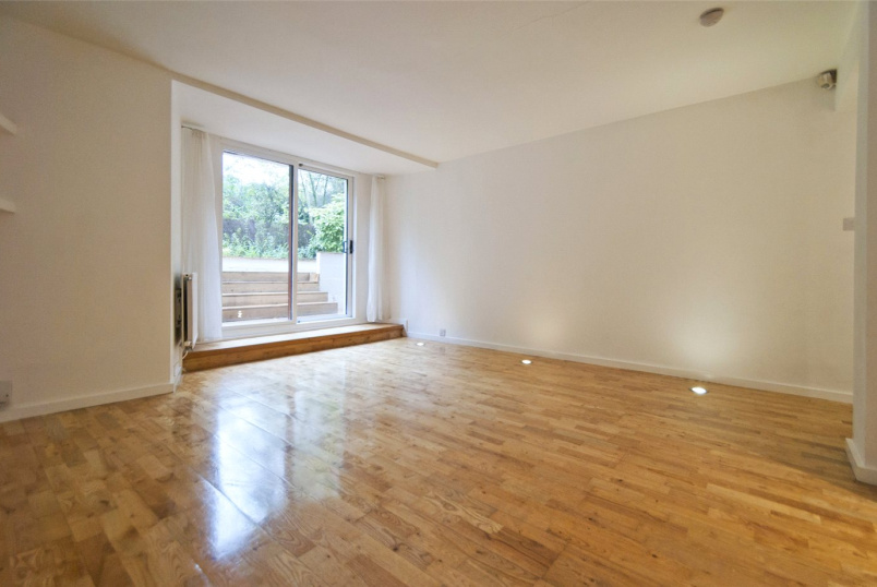 Flat/apartment to rent in Kentish Town - Leighton Crescent, London, NW5