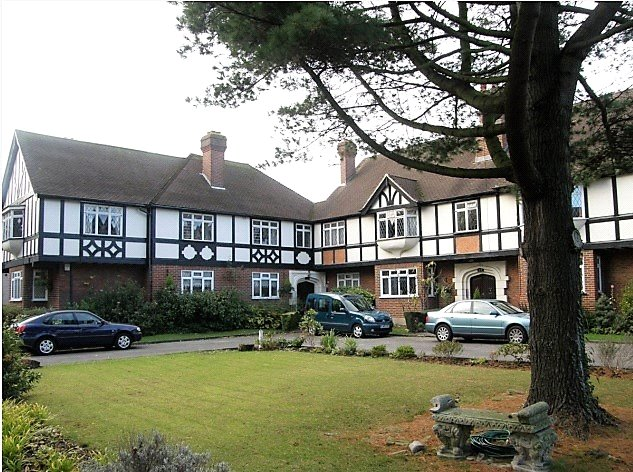 Flat/apartment to rent in Worcester Park - Ennor Court, London Road, Cheam, SM3