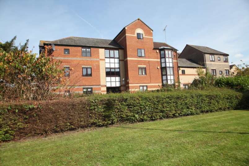 Flat/apartment to rent in Reading - Waterside Gardens, Reading, Berkshire, RG1
