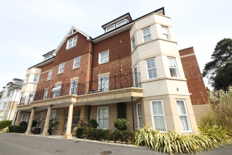 Flat/apartment to rent in Westbourne - Durley Chine Road, Bournemouth, Dorset, BH2