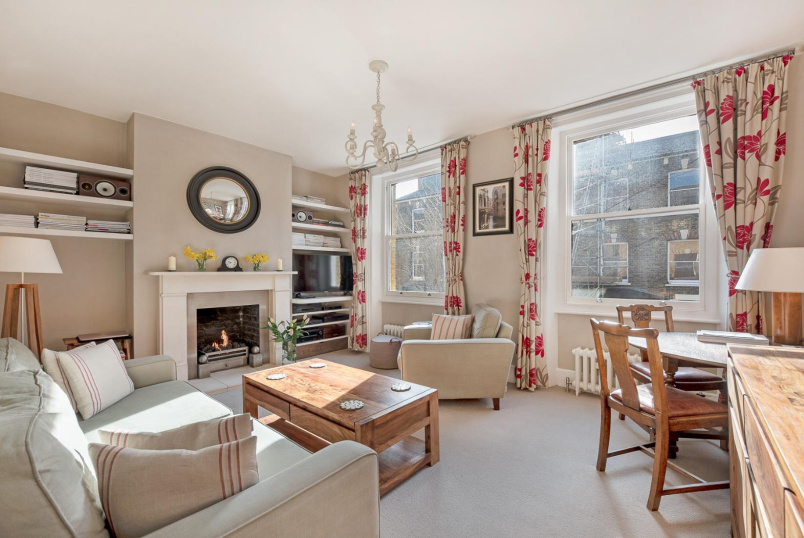 Flat to rent in Kennington - CHARLESTON STREET, SE17