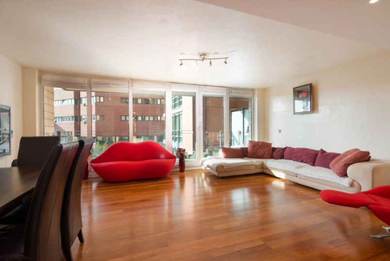 Flat for sale in St Johns Wood - PAVILION APARTMENTS, ST JOHN'S WOOD, LONDON, NW8 7HB