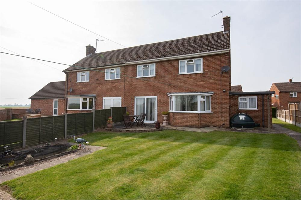 Incredible 3 Bedroom Property For Sale In Marketstead Estate Kirton Home Interior And Landscaping Eliaenasavecom