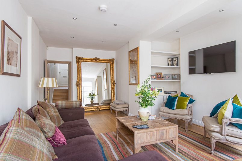House - terraced to rent in St Johns Wood - ST JOHN'S WOOD TERRACE, NW8 6JJ