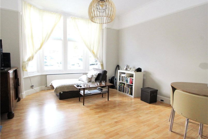 Flat/apartment to rent in Ealing & Acton - Kings Avenue, Ealing, W5