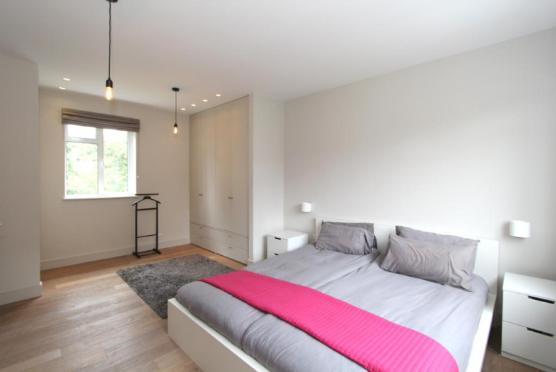 Flat/apartment to rent in Ealing & Acton - Hanger Court, Ealing, W5