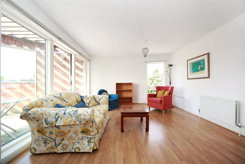 Flat/apartment to rent in Shepherds Bush & Acton - Holst House, Du Cane Road, London, W12