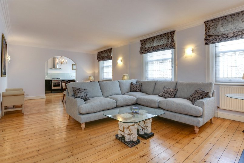 Flat/apartment to rent in Kensington - Edge Street, Kensington, W8