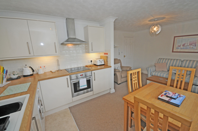 Amazing 1 Bedroom Property For Sale In Riverside Wharf Kingswear Home Interior And Landscaping Oversignezvosmurscom