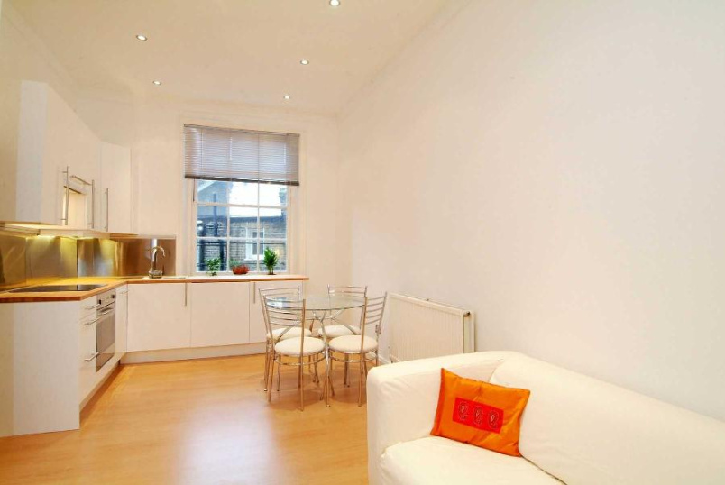 Apartment to rent in Pimlico and Westminster - BELGRAVE ROAD, SW1V