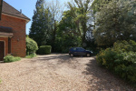 Godalming - 0.6 Acre Plot And Attached Annexe! 28