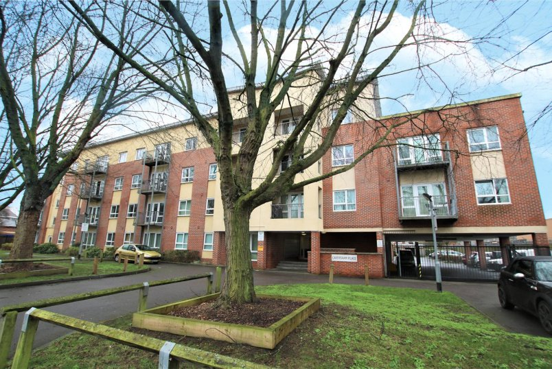 Flat/apartment to rent in Reading - Caversham Place, Richfield Avenue, Reading, RG1