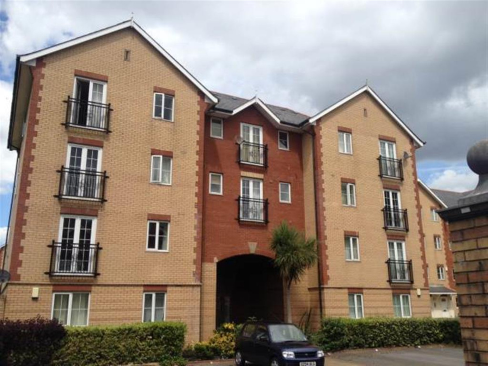 2 Bedroom Property To Let In Campbell Drive Windsor Quay Cardiff Bay 575 Pcm