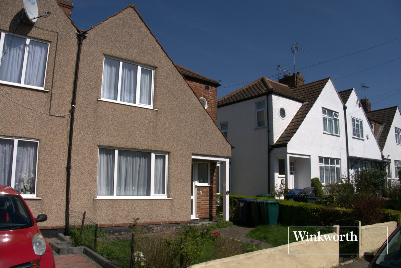 House to rent in Barnet - Dale Close, New Barnet, Herts, EN5