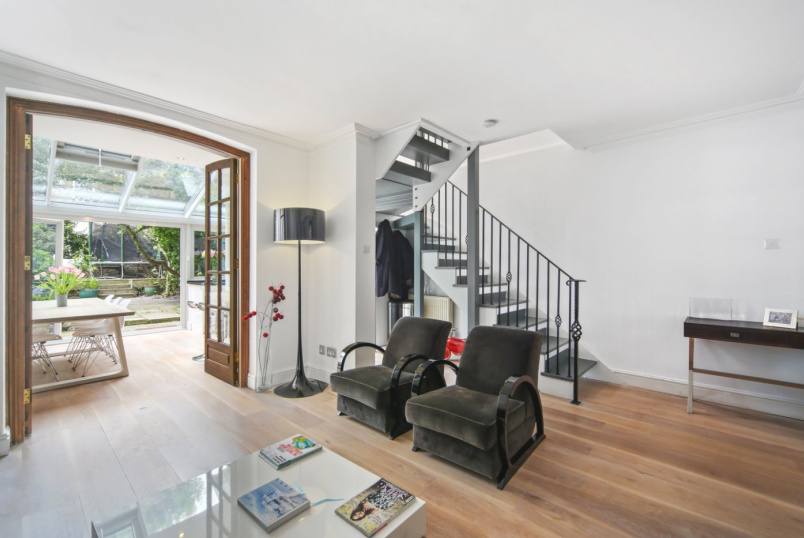 Maisonette for sale in Notting Hill - Alexander Street, London, W2