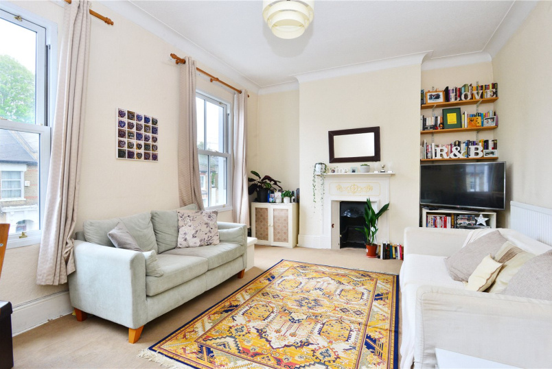 Flat/apartment to rent in Dulwich - Derwent Grove, East Dulwich, SE22