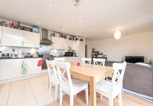 Flat/apartment for sale in Willesden Green - Newman Close, London, NW10