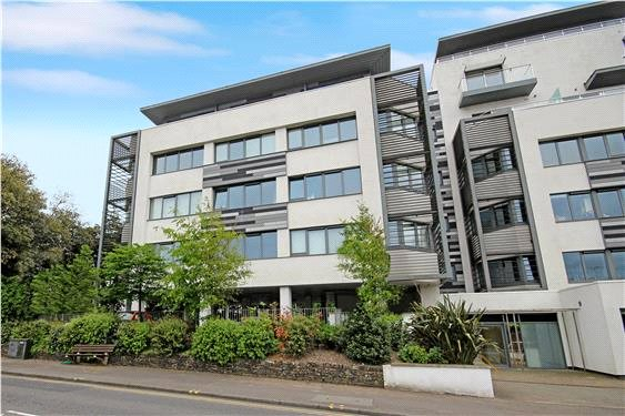 Flat/apartment for sale in Poole - Parkstone Road, Poole, Dorset, BH15