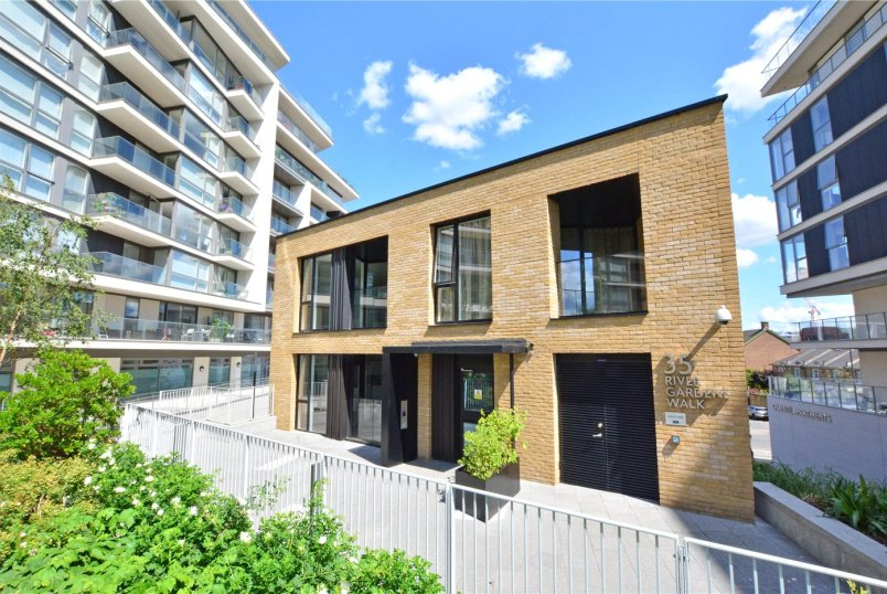 Flat/apartment for sale in  - River Gardens Walk, Greenwich, SE10