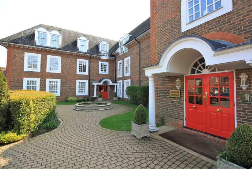 Flat/apartment for sale in Beaconsfield - Wilton Court, Crossways, Beaconsfield, HP9