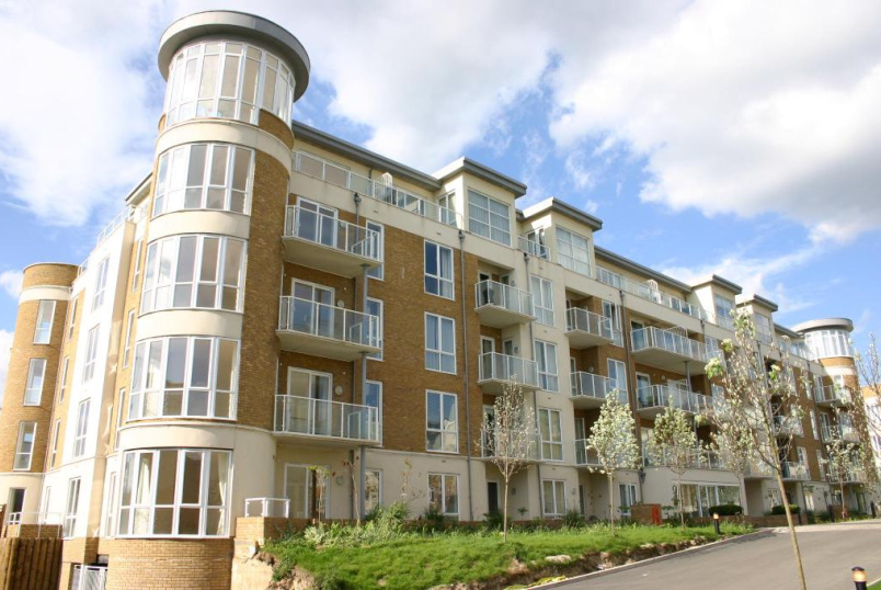 Flat/apartment to rent in Brentford & Isleworth - Aura House, Melliss Avenue, Kew Riverside, TW9