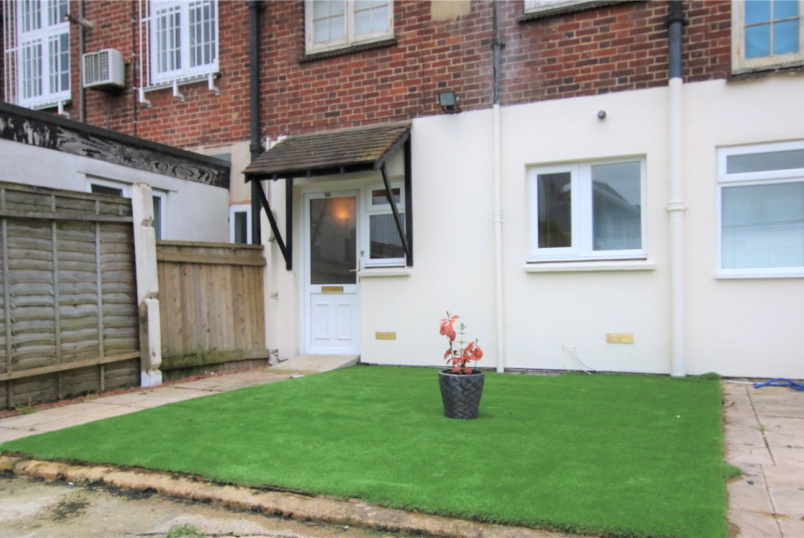 Maisonette for sale in Reading - Oxford Road, Tilehurst, Reading, RG30