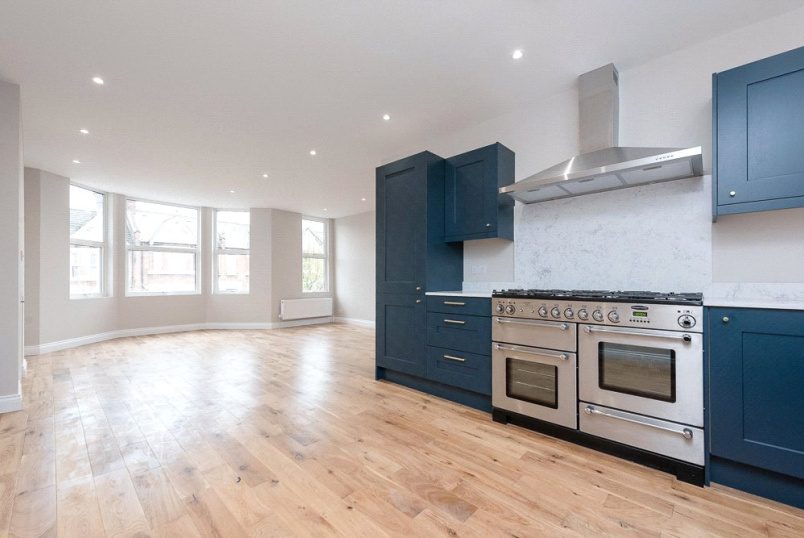 Flat/apartment for sale in Willesden Green - Leghorn Road, London, NW10