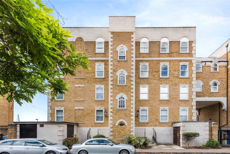Flat/apartment for sale in Surrey Quays - Horatio Court, 151 Rotherhithe Street, London, SE16