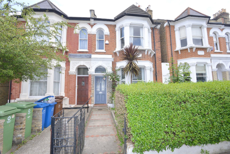 House for sale in  - Friern Road, East Dulwich, SE22