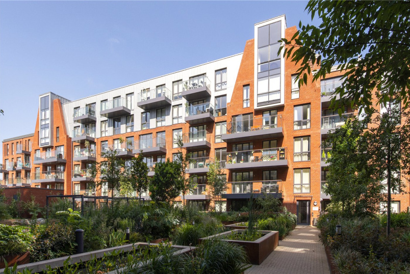 Flat/apartment for sale in  - Gaumont Place, London, SW2