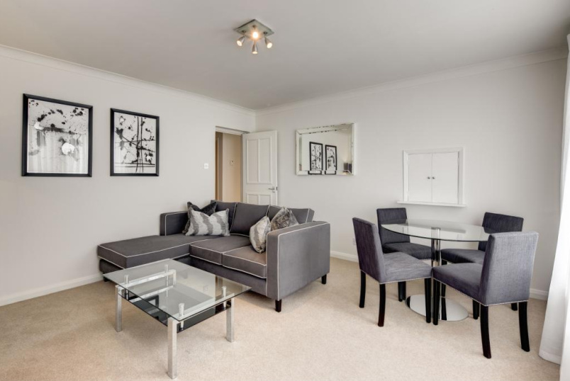 Flat/apartment to rent in Knightsbridge & Chelsea - Fulham Road, Chelsea, London, SW3