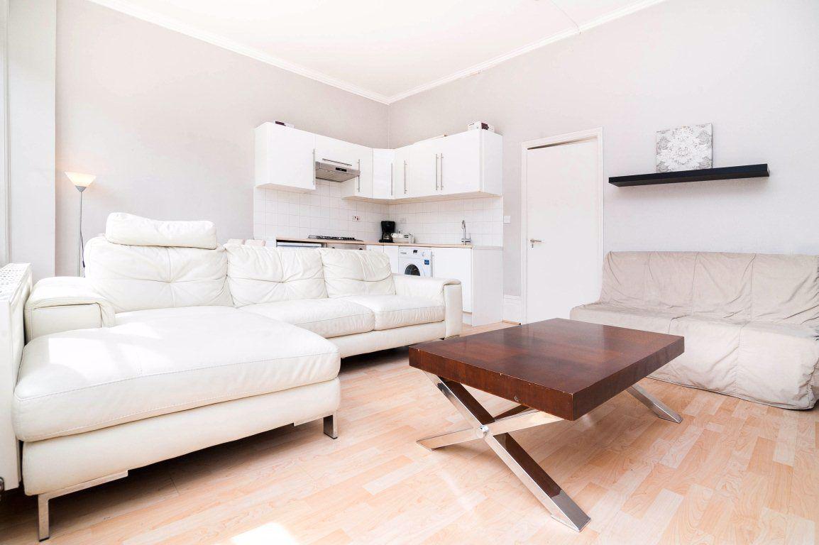 Pleasant 1 Bedroom Property To Let In Upper Street Islington N1 400 Pw Ibusinesslaw Wood Chair Design Ideas Ibusinesslaworg