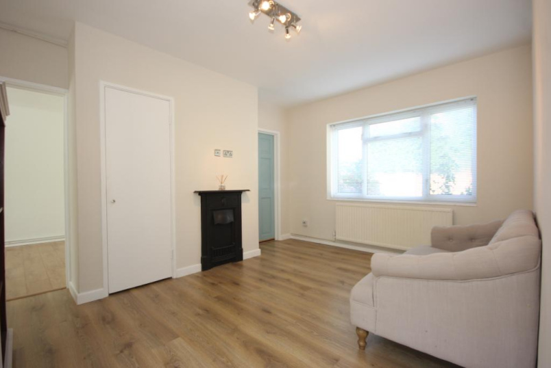 Flat/apartment to rent in Beaconsfield - The Ferns, Beaconsfield, Buckinghamshire, HP9