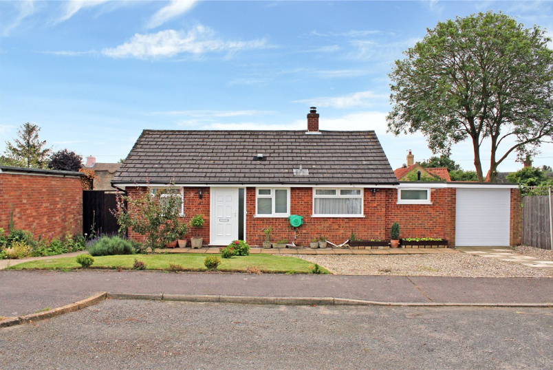 Bungalow for sale in Poringland - Cherrywood Road, Alpington, Norwich, NR14