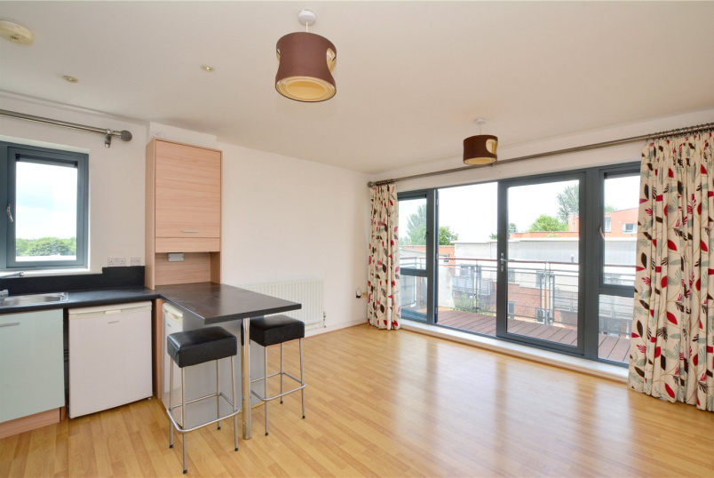 Flat/apartment to rent in Blackheath - Hales House, Berber Parade, London, SE18
