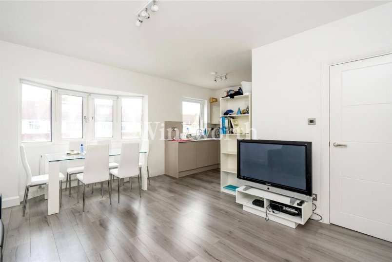 Flat/apartment to rent in Golders Green - Woodville Road, London, NW11