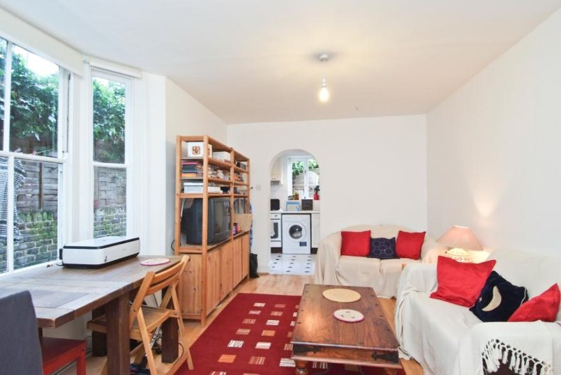 Flat to rent in Clapham - PRIDEAUX ROAD, SW9