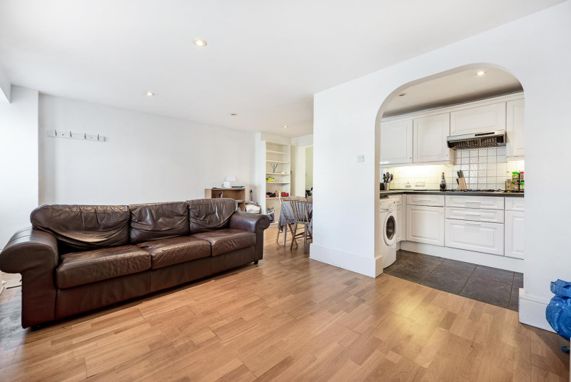 Flat to rent in Clapham - PARK HILL, SW4