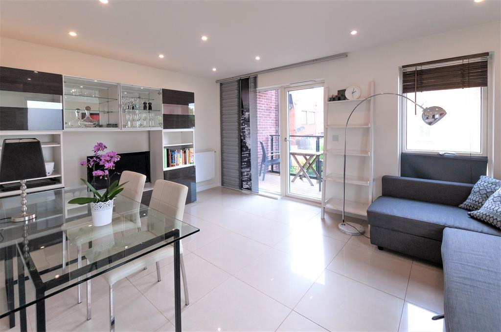 Modern Two Bedroom Apartment | Parking Space| Welsh Harp Nature Reserve | NW9 Image 1