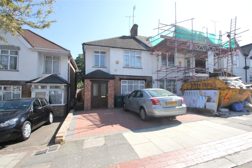 House to rent in Finchley - Nethercourt Avenue, London, N3