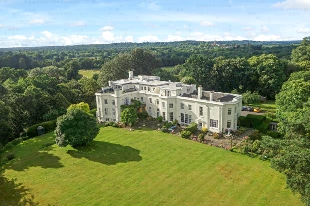 Flat/apartment for sale in Sunningdale - Lyne Place Manor, Bridge Lane, Virginia Water, GU25
