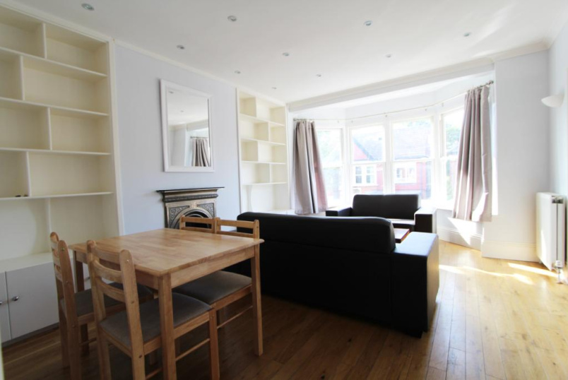 Flat/apartment to rent in Ealing & Acton - King Edwards Gardens, London, W3