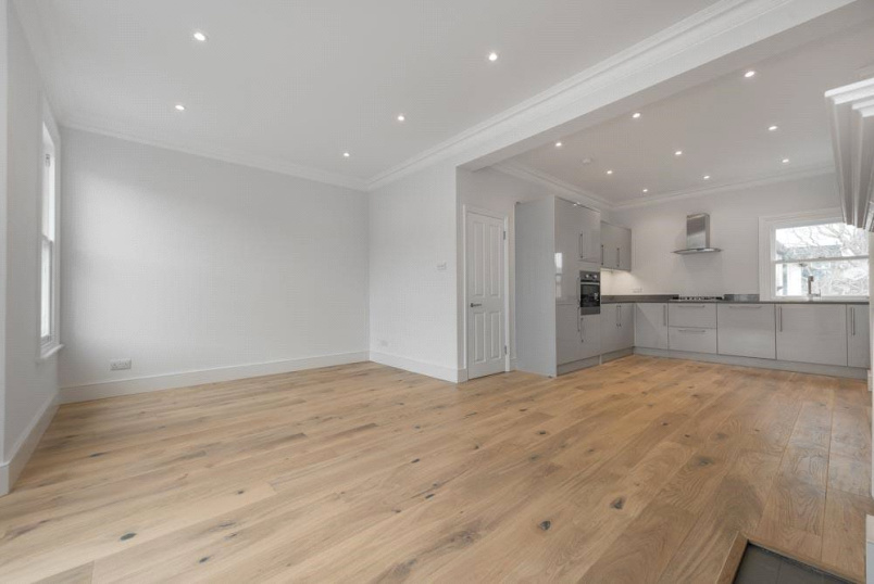 Flat/apartment for sale in Kensal Rise & Queen's Park - St Johns Avenue, London, NW10