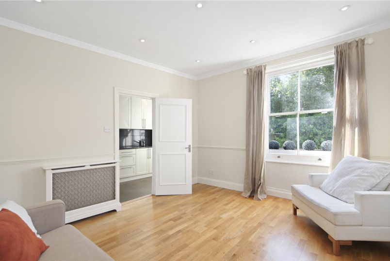 Flat/apartment to rent in Notting Hill - Dawson Place, London, W2