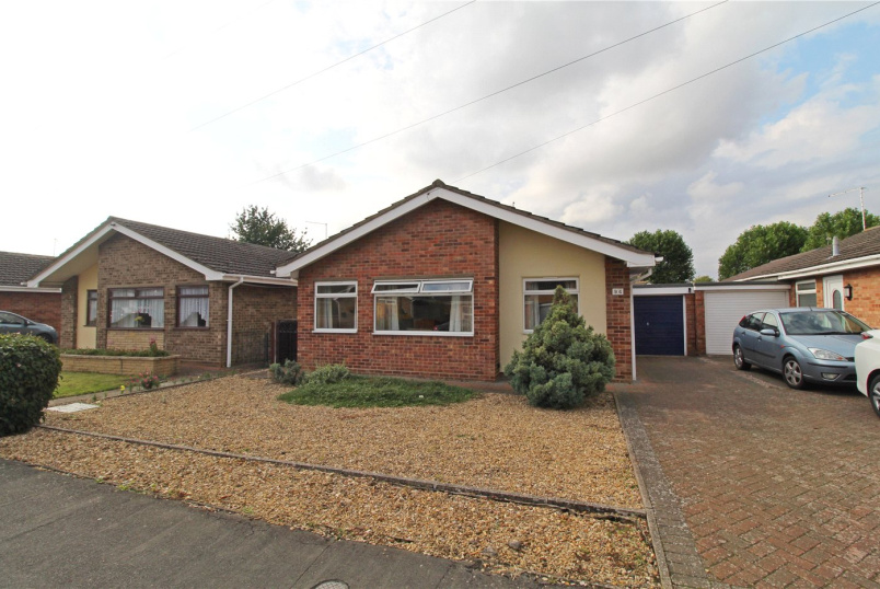 Bungalow for sale in Market Deeping - Manor Way, Deeping St. James, Peterborough, PE6