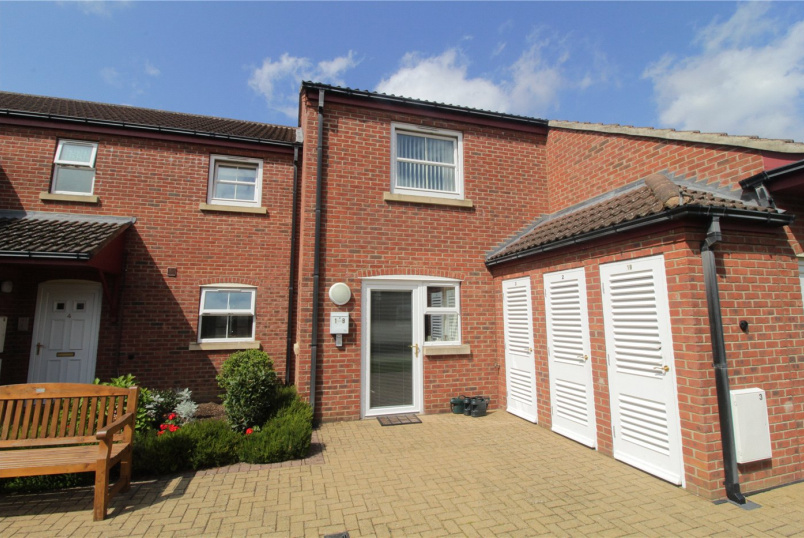 Flat/apartment for sale in Grantham - Warwick Court, Warwick Road, Balderton, NG24
