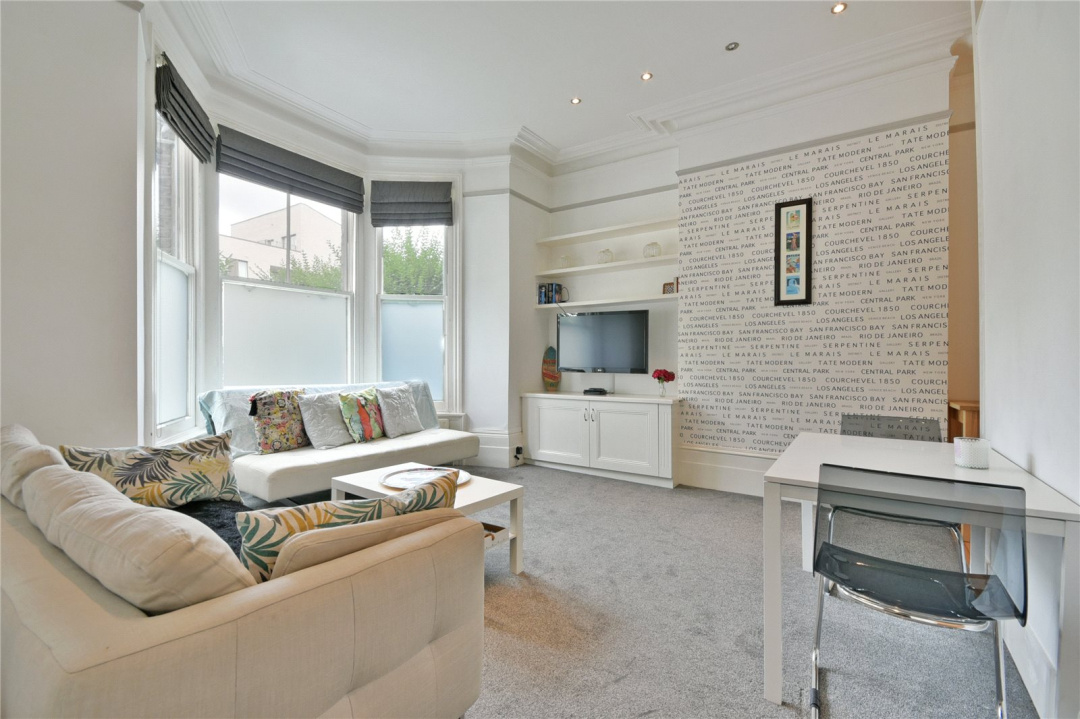 Paramount | 2 bedroom property for sale in The Avenue