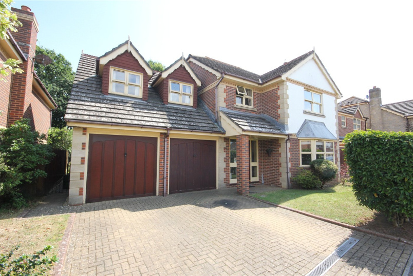 House for sale in Mudeford - Osprey Close, Christchurch, Dorset, BH23
