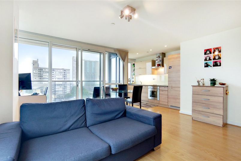 Flat/apartment to rent in  - Panoramic Tower, 6 Hay Currie Street, London, E14
