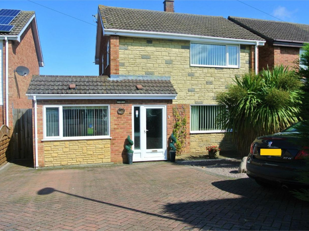 3 bedroom property for sale in Stanley Street, Bourne ...